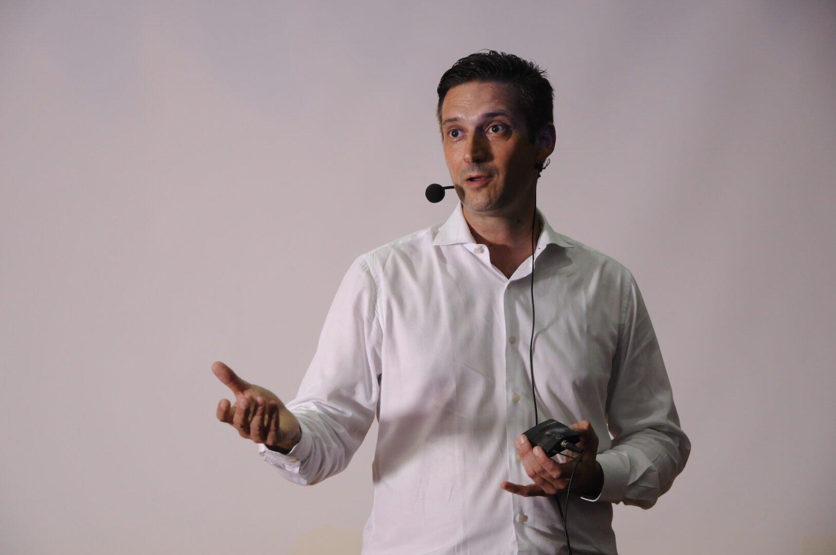 "CEO of Osseotouch ""Claudio Di Giglio"""